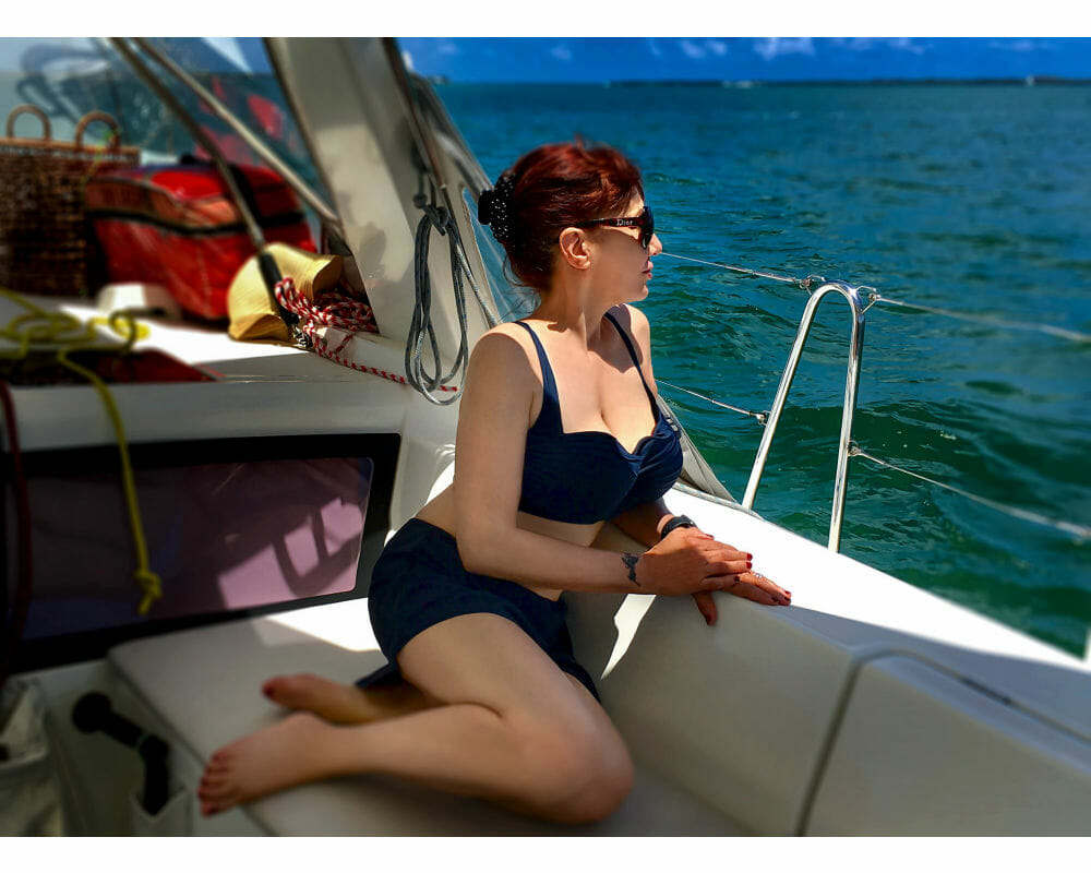 Mature Sensual Nikki West Sailing Gorgeous Day
