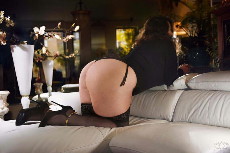Lou Simone - Luxury Companion - Montreal - Mature Sensual